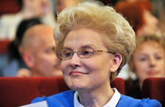 Елена Малышева биография, личная жизнь, семья, муж, дети, диета — фото