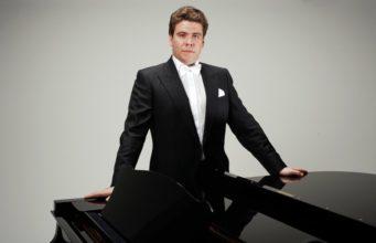 Пианист Денис Мацуев биография, личная жизнь, семья, жена, дети — фото
