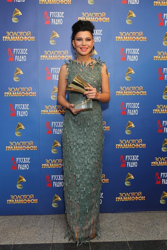 Елка (певица) с премией Золотой граммофон