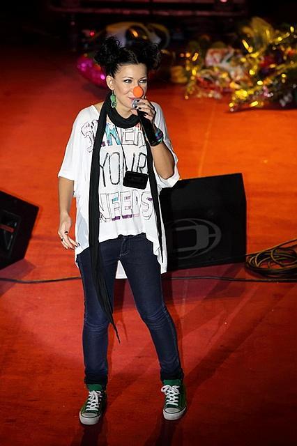 Елка (певица) в образе подростка