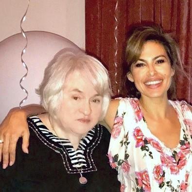 Ева Мендес с мамой