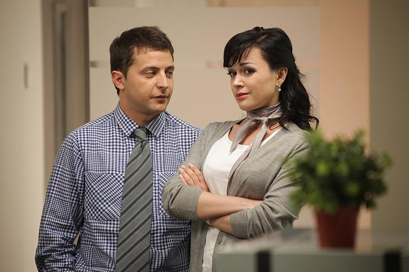Анастасия Заворотнюк и Владимир Зеленский в фильме 'Служебный роман'