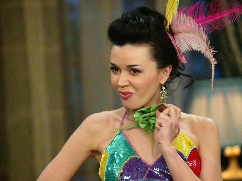 Анастасия Заворотнюк в сериале 'Моя прекрасная няня'