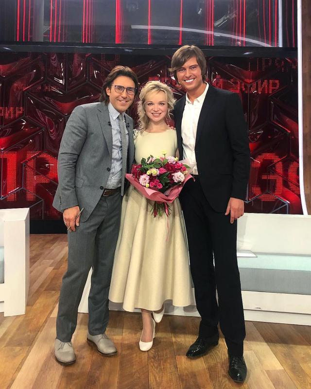 Виталина Цымбалюк-Романовская и Прохор Шаляпин в шоу Андрея Малахова