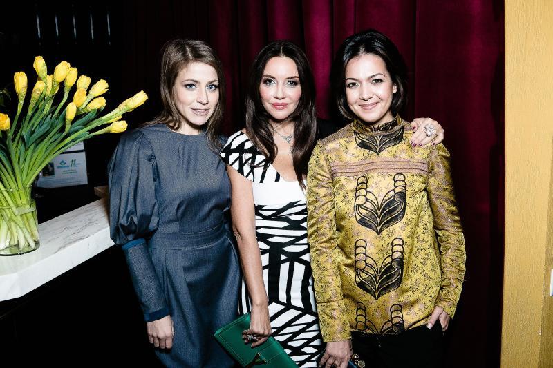 Юлия Барановская с сестрами